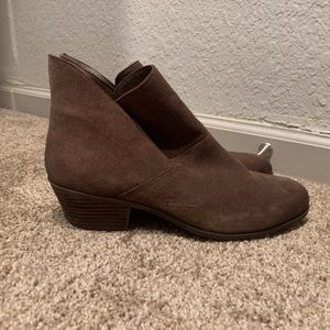 NWOT MeToo Ankle Boots